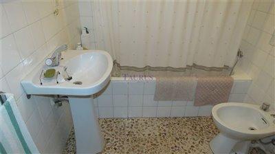 bathroom-2a-3