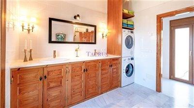22bathroom-3973