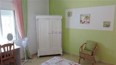 apt-bedroom-4c