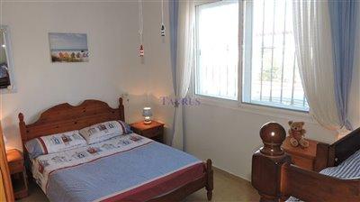 apt-bedroom-5a