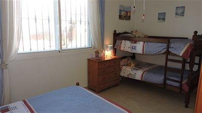 apt-bedroom-5b