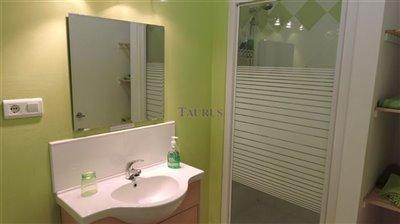 apt-bathroom-4a