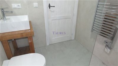 bathroom-b-3