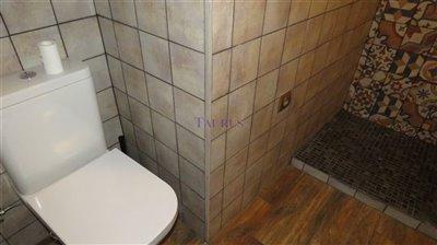bathroom-1b