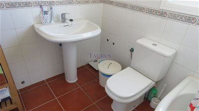 bathroom-2b
