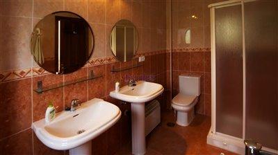bathroom-2-en-suite