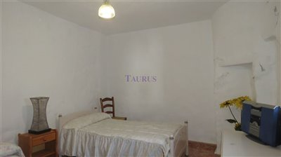 bedroom-2b-4