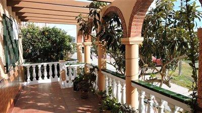 terrace-1b-patio
