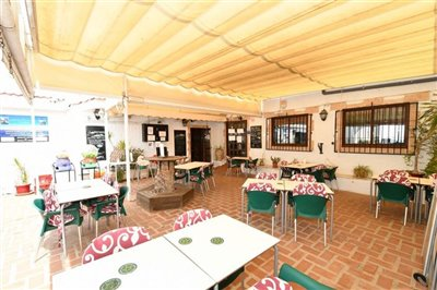 2507commercialbarrestaurantwithpool0505211309