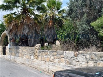 traditional-stone-house-in-kallepiafull