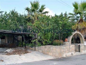 traditional-stone-house-in-kallepiafull3