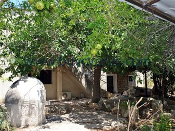 traditional-stone-house-in-kallepiafull6