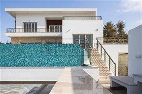 Image No.1-Villa de 8 chambres à vendre à Mesa Chorion
