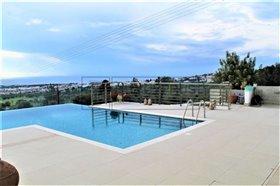 Image No.2-Villa de 8 chambres à vendre à Mesa Chorion