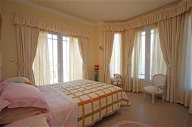 Image No.8-5 Bed Villa for sale