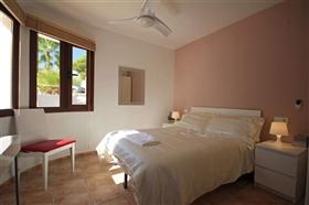 Image No.6-4 Bed Villa for sale
