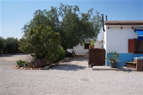 Image No.1-6 Bed Property for sale