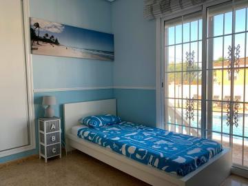 single-bedroom---2-