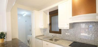 3-bed-penthouse-duplex-las-ramblas-golf-kitchen-utility