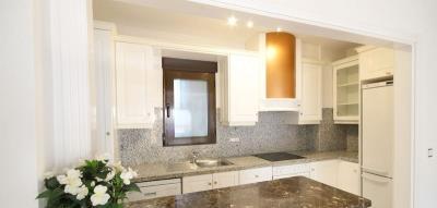 3-bed-penthouse-duplex-las-ramblas-golf-kitchen2