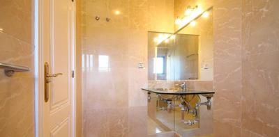 3-bed-penthouse-duplex-las-ramblas-golf-master-bedroom-ensuite-sink