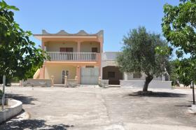 Image No.0-10 Bed Villa for sale