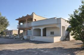 Image No.2-10 Bed Villa for sale