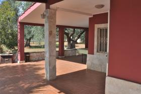 Image No.0-Propriété de pays de 2 chambres à vendre à Latiano