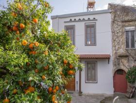 Voulgaro, Village House