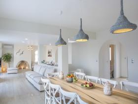 Image No.2-Villa / Détaché de 7 chambres à vendre à Plaka