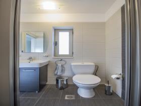 Image No.24-Villa / Détaché de 7 chambres à vendre à Plaka