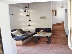 Image No.28-7 Bed Villa / Detached for sale
