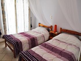 Image No.4-Villa / Détaché de 8 chambres à vendre à Afrata
