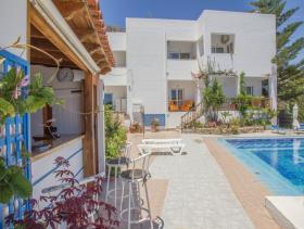 Image No.5-Villa / Détaché de 8 chambres à vendre à Afrata