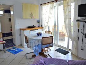 Image No.12-Villa / Détaché de 8 chambres à vendre à Afrata