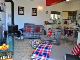 Image No.17-Villa / Détaché de 8 chambres à vendre à Afrata
