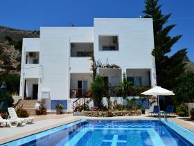 Image No.0-Villa / Détaché de 8 chambres à vendre à Afrata