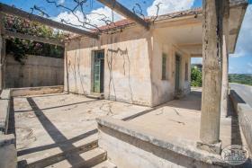 Kolymbari, Property