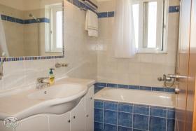 Image No.25-Villa de 2 chambres à vendre à Gavalohori
