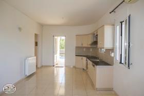 Image No.2-Bungalow de 3 chambres à vendre à Maleme