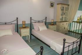 Image No.44-Commercial de 8 chambres à vendre à Plaka
