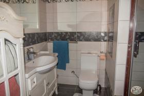 Image No.57-Commercial de 8 chambres à vendre à Plaka
