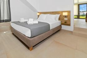 Image No.59-7 Bed Commercial for sale