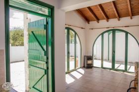 Image No.2-Maison de 2 chambres à vendre à Maleme