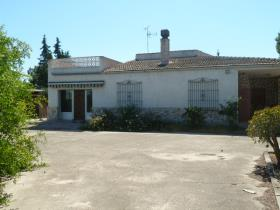 Sucina, Country Property