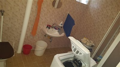 17--Bathroom-B--1-