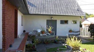 02OF01_02_terrace