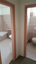 05--Bathroom-A--1-