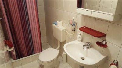 02--Bathroom-A--1-