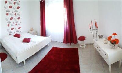 11--Bedroom-C--2-